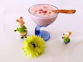 自制草莓酸奶