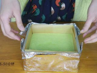 抹茶蜂蜜蛋糕,倒入模具中,170度45-50分钟