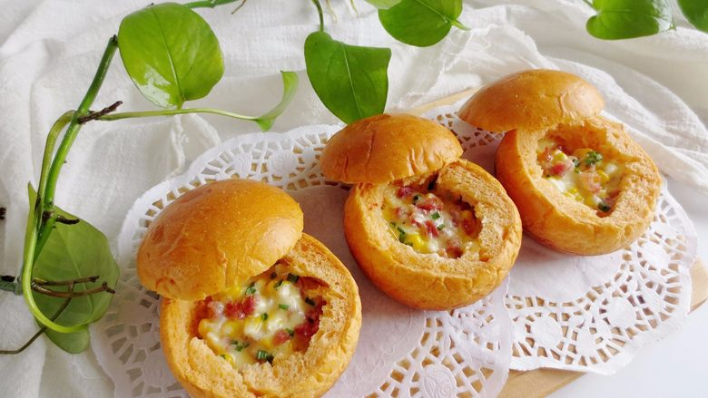 番茄咸肉面包