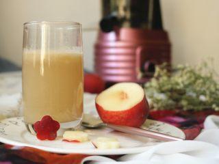水蜜桃汽水,开始喝咯。