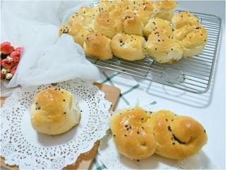 蜂蜜脆底小面包,没有金盘弄得歪歪倒倒😖不过尽力啦,该买的必须买。