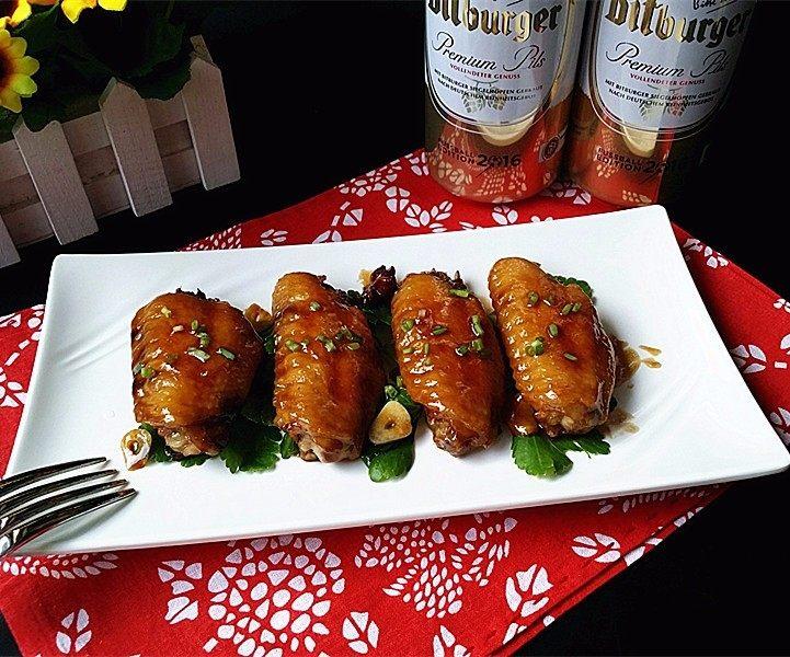 德国啤酒烩鸡翅,盛盘上桌咯