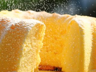 萨瓦林蛋糕,放大看也是如此细腻。