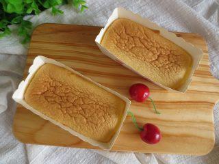 冰淇淋小蛋糕,烤熟后取出晾一下