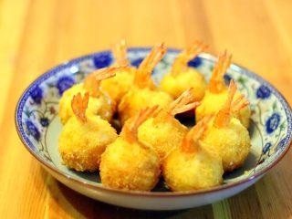 黄金虾球,金黄金黄的特别漂亮。