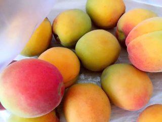 甜杏果酱………酸酸甜甜好味道,准备好杏