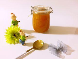甜杏果酱………酸酸甜甜好味道,像琥珀一样的颜色,诱惑极了