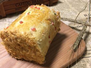 中种肉松面包,美美的肉松面包卷,放到第二天第三天都不会影响口感😍