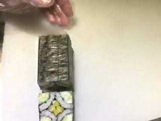 四喜寿司卷,卷上切开    四喜卷就做好了