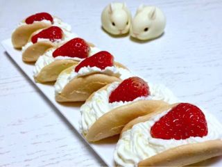 奶油小贝草莓🍓蛋糕