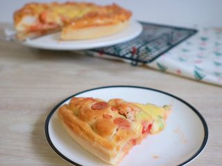 培根火腿鲜虾披萨,成品图