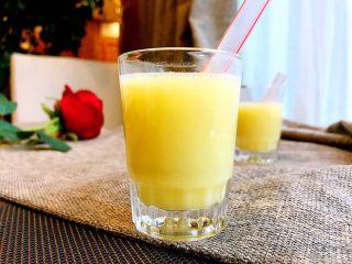 香浓玉米汁,营养不浪费,让人垂涎三尺。