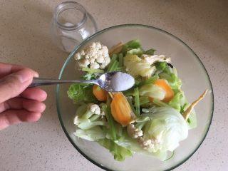 夏日减肥食谱之凉拌菜,放盐一勺