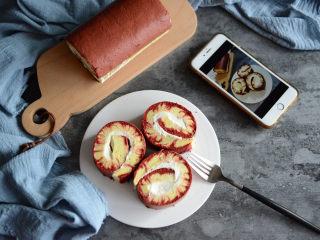 红丝绒旋风蛋糕卷,很漂亮的蛋糕卷。