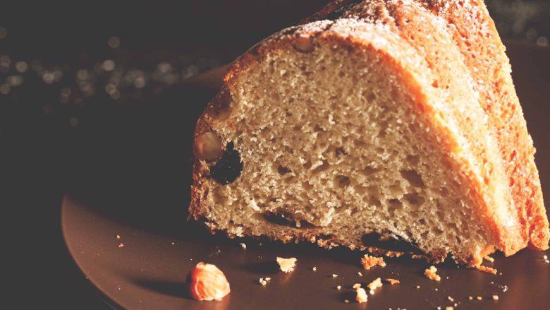 Kugelhopf咕咚霍夫蛋糕,晾凉后可以撒上些糖粉,也可不撒。