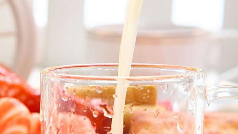 热带风情混合果汁