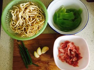 蟹粉煮干丝,准备好食材
