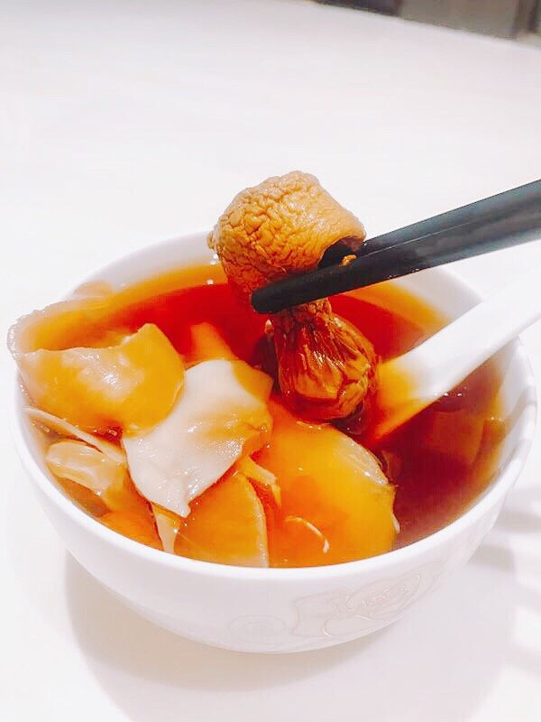 姬松茸花胶滋补汤