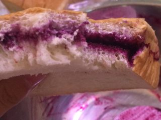 自制蓝莓酱,酸酸甜甜的,很天然