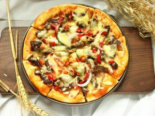 黑椒牛柳披萨,成品。