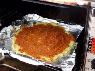 健康低热量披萨,在190度的烤箱里烤五分钟