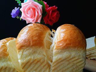 日式甜面包-中种法,拉丝效果也不错哈