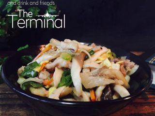 平菇炒蔬菜