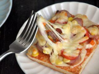 香肠吐司披萨,愉快地开动吧!