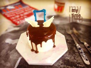 【天使之城】巧克力淋面蛋糕,我把这款巧克力淋面蛋糕命名为:天使之城