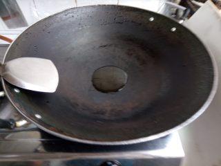 双色豆腐煮肉蓉,热锅下油