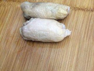 鸡肉卷,从冰箱取出