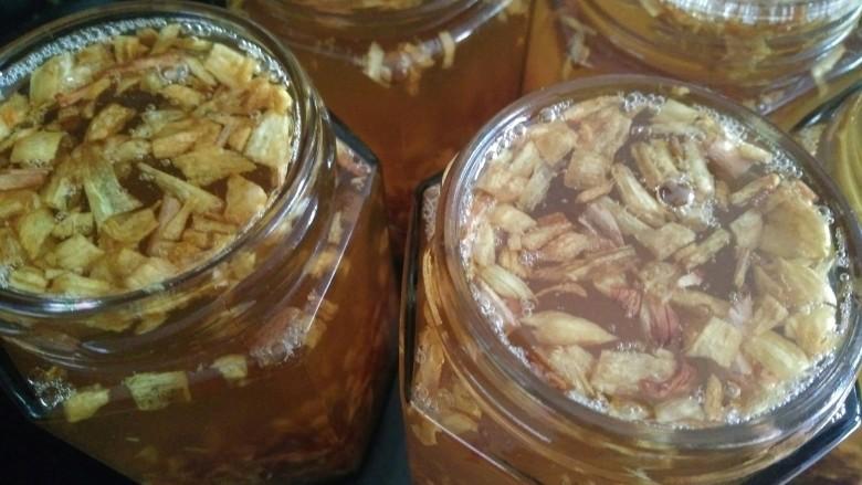 葱头酥油,等凉了装瓶子,这种有油有葱酥适合煮面条🍜,馄饨,饺子。