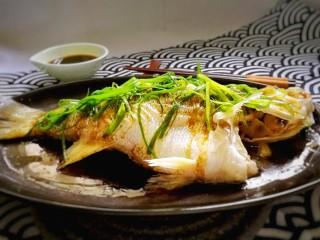 粤式清蒸鲈鱼,完成。