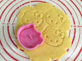 hellokitty饼干,用helloKitty饼干模具压出造型。