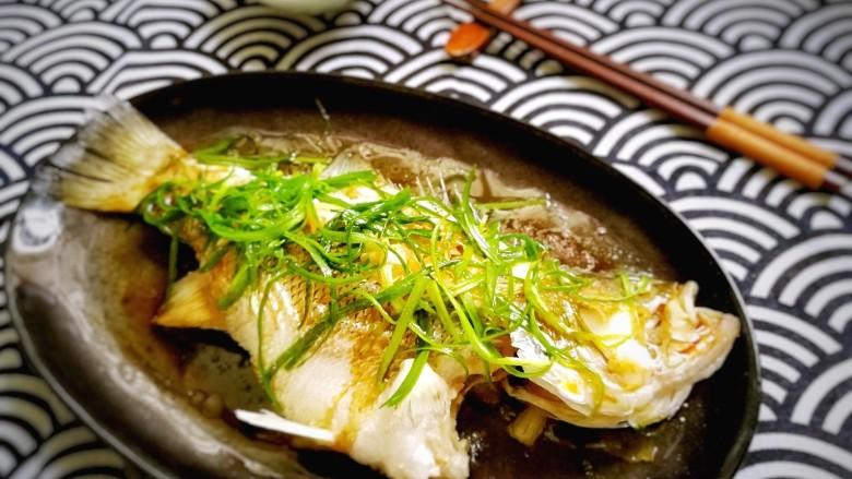 粤式清蒸鲈鱼