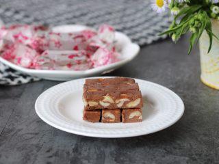 巧克力牛轧糖(耐烤巧克力版),很有嚼头的牛轧糖,可可味很浓