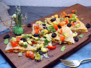 墨西哥薄脆饼配牛油果番茄莎莎,绝对好吃的小吃