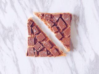 夏日百变花样吐司,每天都不重样,巧克力吐司:巧克力酱+黑巧克力+椰蓉