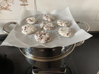 免烤箱搅一搅就能做红枣糯米糕,放入蒸锅