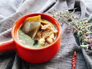 筒骨海带汤,成品图。