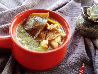 筒骨海带汤,大概一小时左右就烂了,具体炖煮时间按实际情况操作,锅具不同火力大小炖煮的时间都会有差异 。