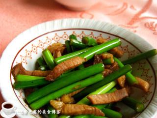 咸肉炒蒜苗