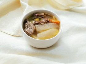 秘制酸萝卜老鸭汤