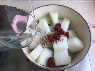 冬瓜薏米排骨汤,加水