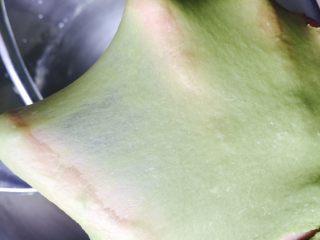 青蛙挤挤包,可以出比较薄容易破的膜就可以了。。因为是做餐包  不要求手套膜
