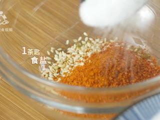 两分钟学会黑椒烤肉,抗饿一整天的营养大菜,加入1茶匙食盐