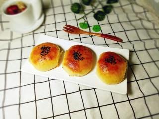 蜜豆小面包,美美的开吃啦!配一杯咖啡或者花茶,下午茶时间(^_^)