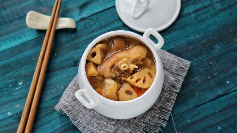 莲藕猪蹄汤,成品,很鲜甜