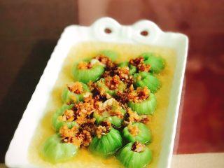 蒜蓉丝瓜——快手版,蒜香飘溢,一口一个丝瓜夹杂着蒜蓉真的很香