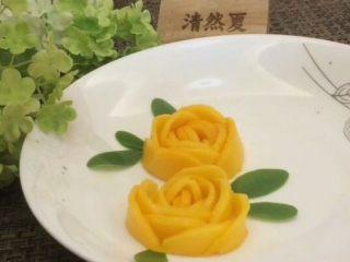 蓝天白云鸡尾酒和漂亮的芒果花,漂亮的芒果花完成